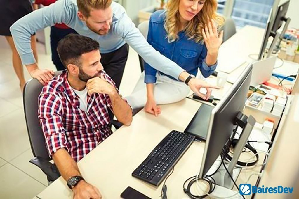 Male and Female developers studying software testing myths